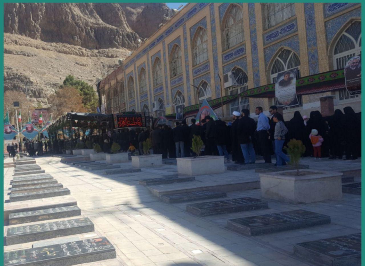صف طولانی برای زیارت مزار سردار سلیمانی +عکس
