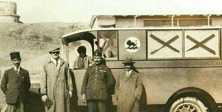 اولین آمبولانس ایران سال ۱۳۰۶ +عکس