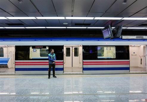 ماجرای بیهوشی فرد مشکوک به کرونا در مترو تهران