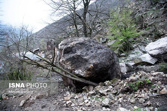 ریزش سنگهای عظیم الجثه در مازندران +عکس