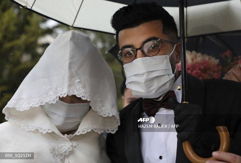 جشن عروسی متفاوت در روزهای کرونایی +عکس