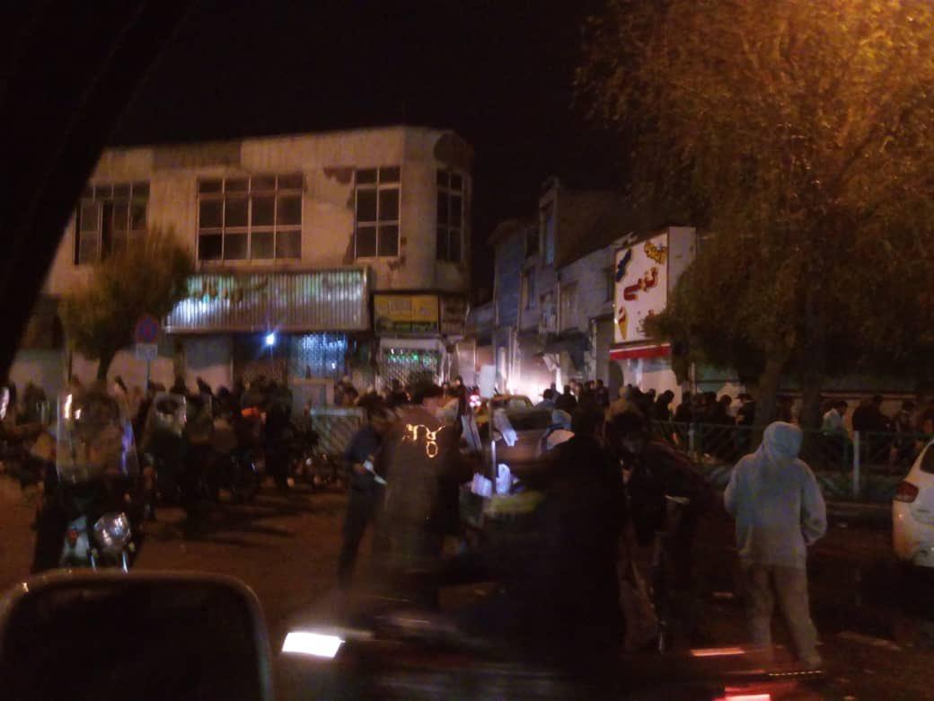 تجمع دیشب معتادان در میدان شوش تهران+عکس