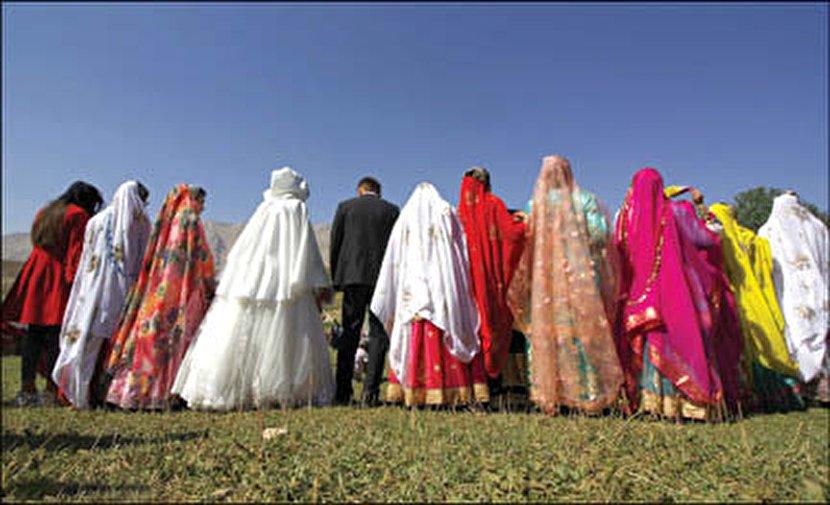 مراسم عروسی غیرقانونی لرستانیها در کوهها +عکس