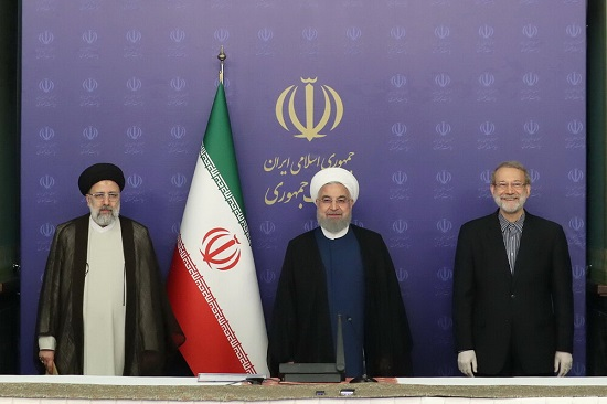 خداحافظی لاریجانی با روحانی و رئیسی+عکس