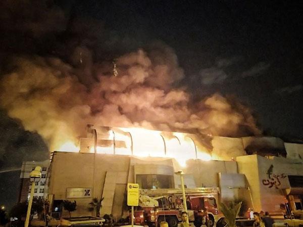 آتش سوزی گسترده مرکز تجاری تهران+عکس