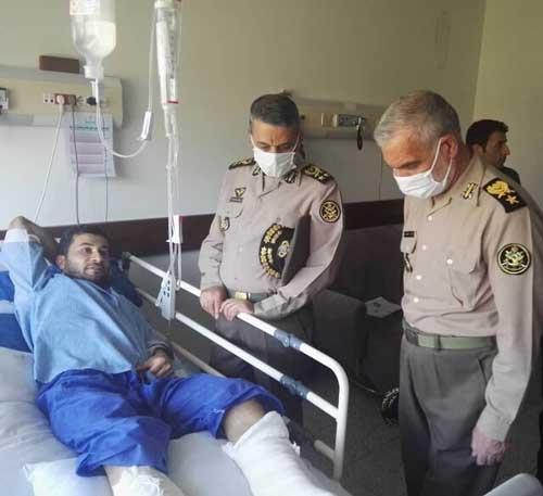 فرمانده ارتش  در کنار جانبازان حادثه کنارک+عکس