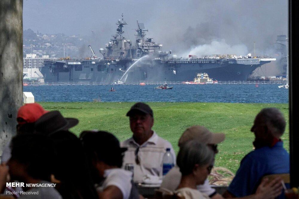 لحظه انفجار ناو جنگی آمریکا+عکس