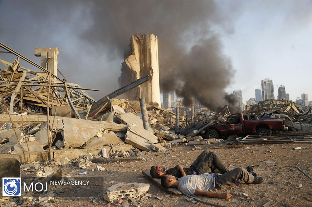 دراز کشیدن مجروحان در محل انفجار بیروت+عکس