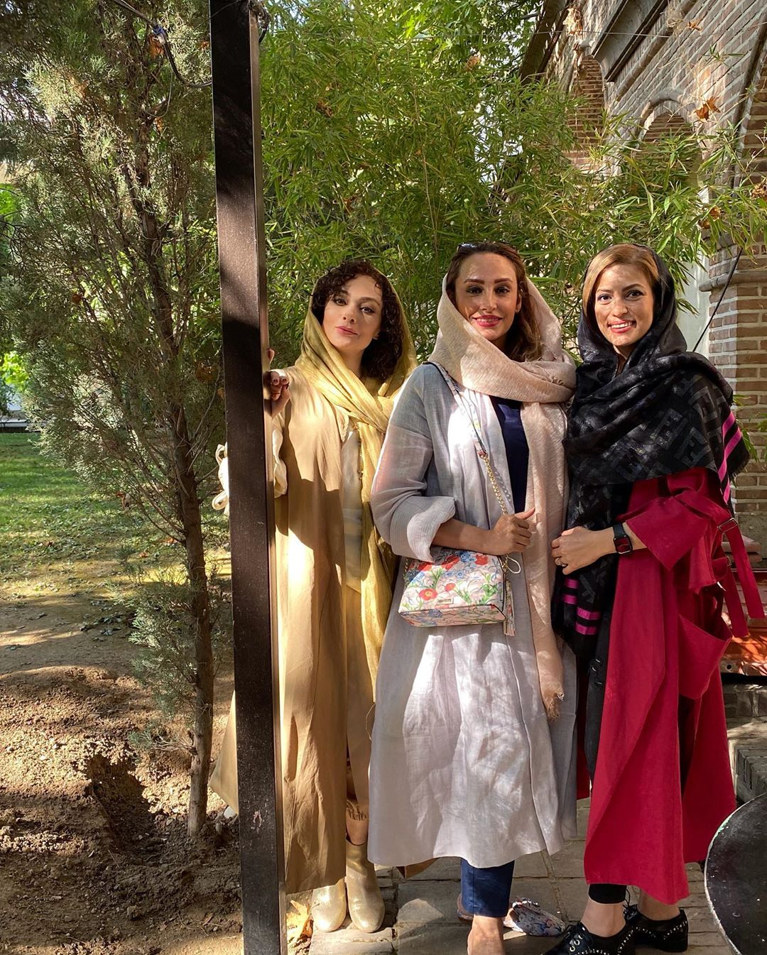 دورهمی یکتا ناصر با دوستانش+عکس