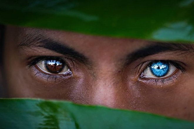 قبیله ای با چشمان کمیاب+عکس