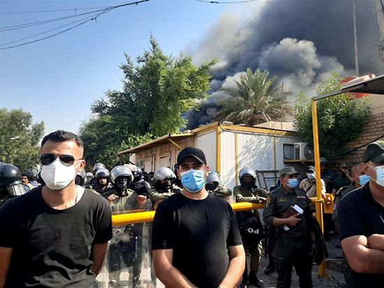 آتشزدن دفتر حزب دموکرات کردستان +عکس