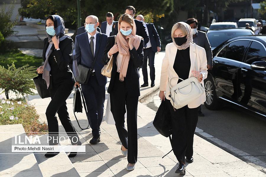 حجاب مذاکره کنندگان اروپایی در تهران +عکس