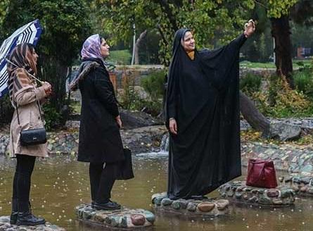 بارش باران دل انگیز در تهران+عکس