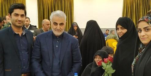 انگشتر سردار سلیمانی در وسایل یک شهید پیدا شد+عکس