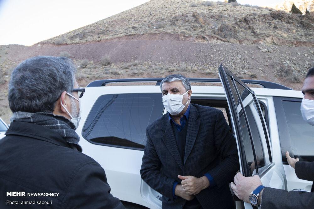 خودروی وزیر راه در سفر به سمنان+عکس