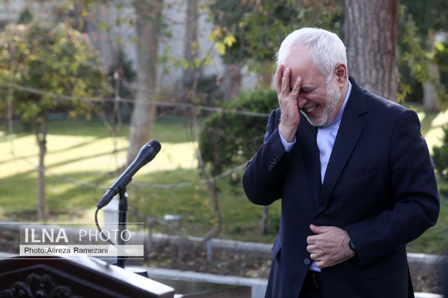 خندههای عجیب ظریف مقابل خبرنگاران+عکس