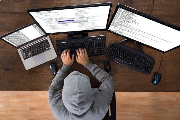 فعالیت هکرهای کلاه سفید در کشور قانونی می شود