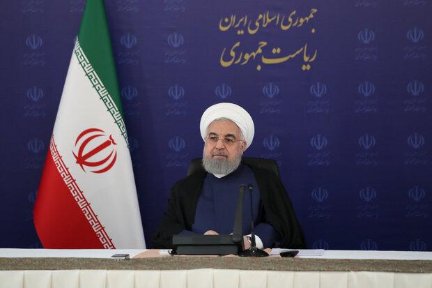روحانی: چرا از پیروزیهای دولت فیلم نمیسازید؟