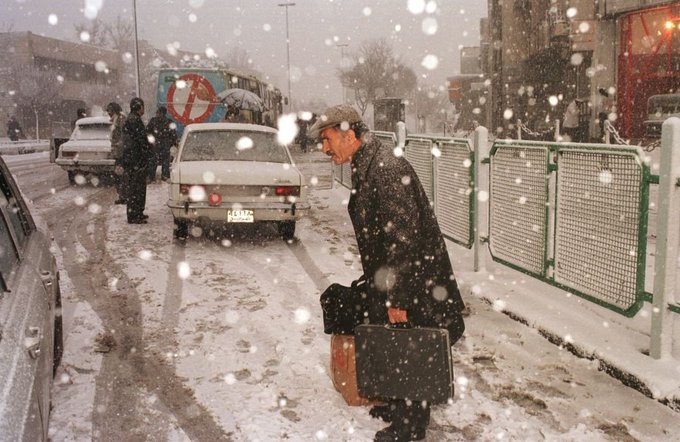 بارش برف در میدان ونک سال ۱۳۷۴+عکس