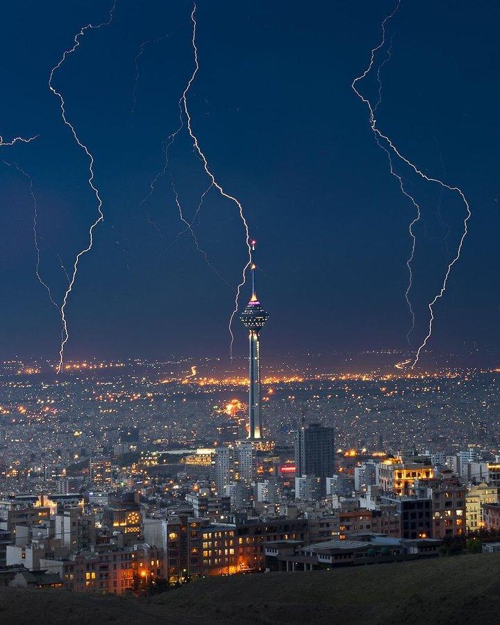 تصویری عجیب از غروب تهران+عکس