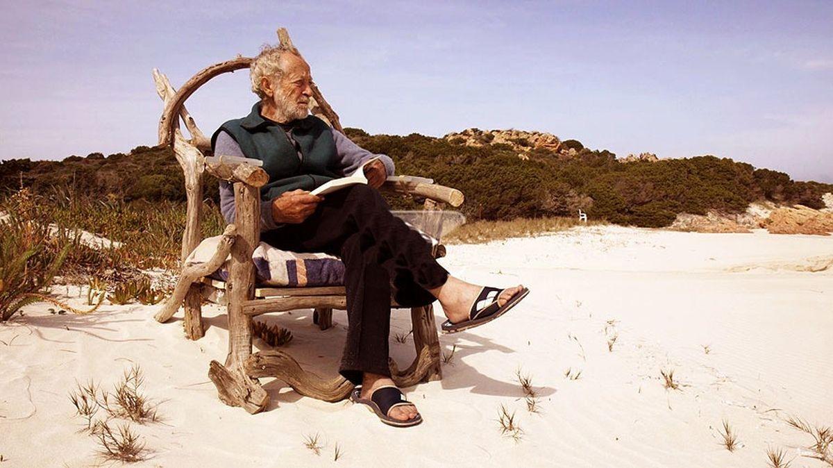 مردی که ۳۱ سال است در یک جزیره تنهاست+عکس
