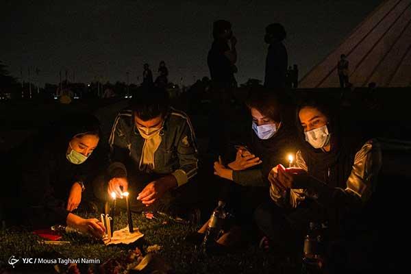 همدردی شبانه ایرانی ها با مردم افغانستان+عکس