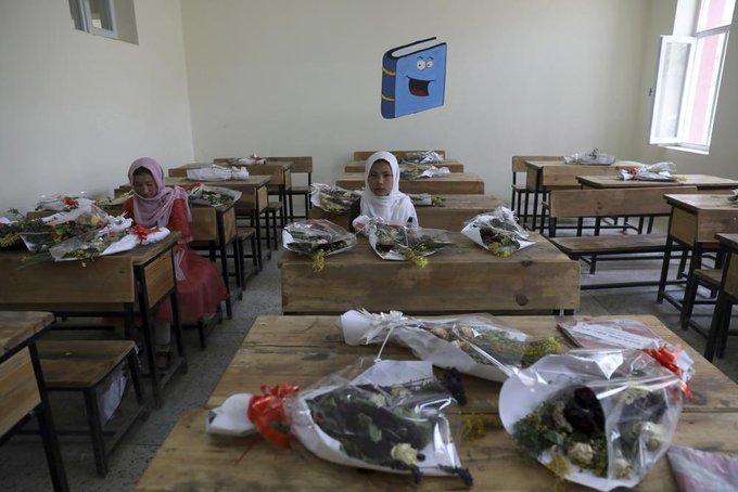 تصویر تکان دهنده از کلاس درس دخترانه در افغانستان+عکس