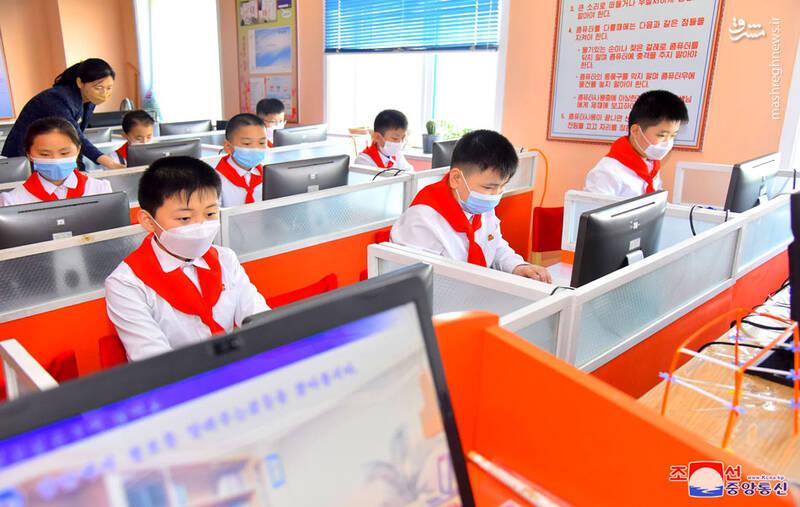 دانش آموزان در مدارس کره شمالی این طور درس میخوانند+عکس