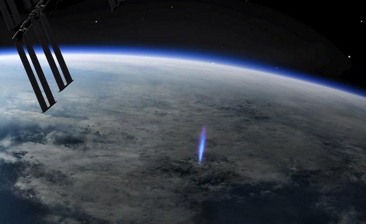 جت آبی؛ پدیدهای زیبا، بالای اتمسفر
