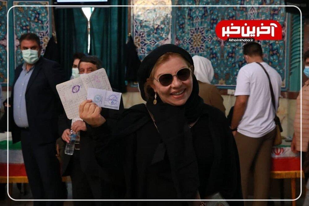 همزاد بازیگر معروف زن پای صندوق رای+عکس