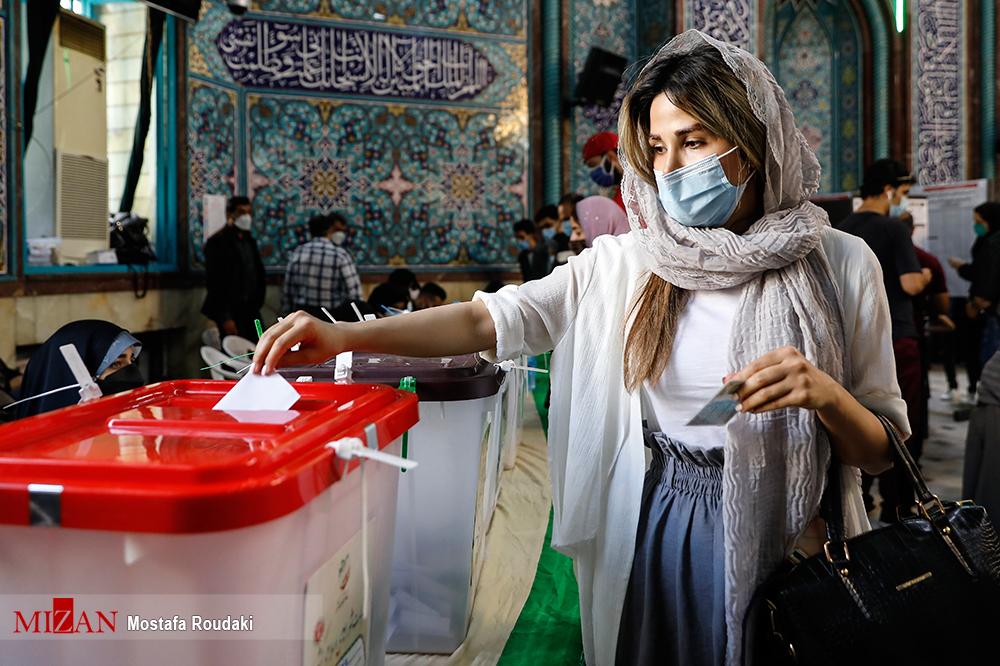 زنان ایرانی با تیپ متفاوت هنگام رای دادن+عکس