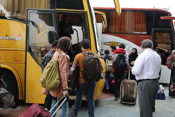 تمام اتوبوس های تهران به رشت پر شد+عکس