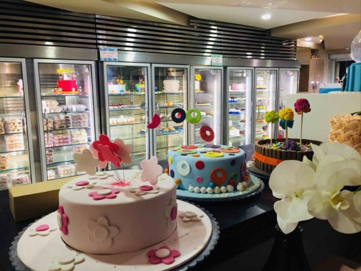 سه شیرینی فروشی معروف تهران (چندشعبهای) را بشناسیم