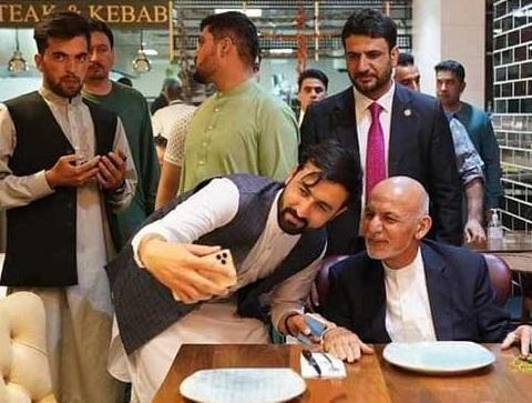 تصویر رئیس جمهور افغانستان و همسرش خبرساز شد+عکس