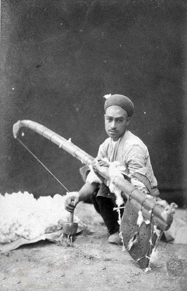 یک حلاج در حال کار در زمان قاجار+عکس