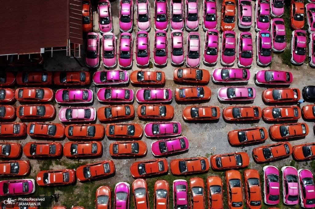 تاکسی هایی که برای همیشه در پارکینگ خاک میخورند+عکس