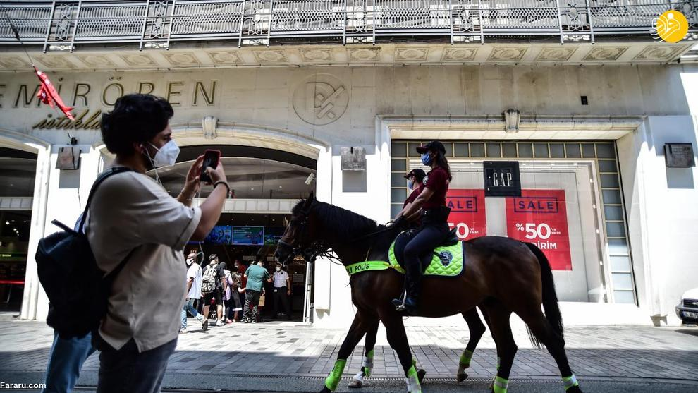 محبوبیت عجیب پلیس اسب سوار در ترکیه+عکس