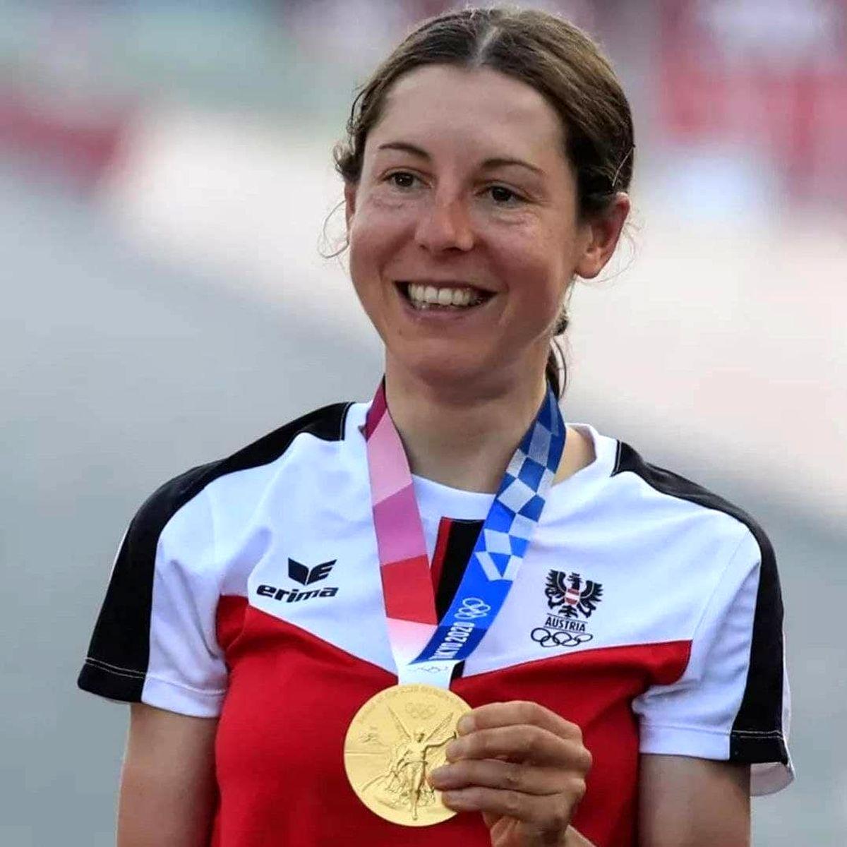 زنی که پس از ۱۲۵ سال مدال طلای المپیک گرفت+عکس