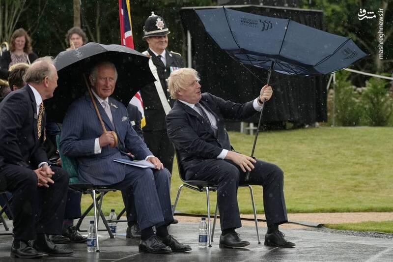 حرکت عجیب نخست وزیر انگلیس باعث خنده همه شد+عکس
