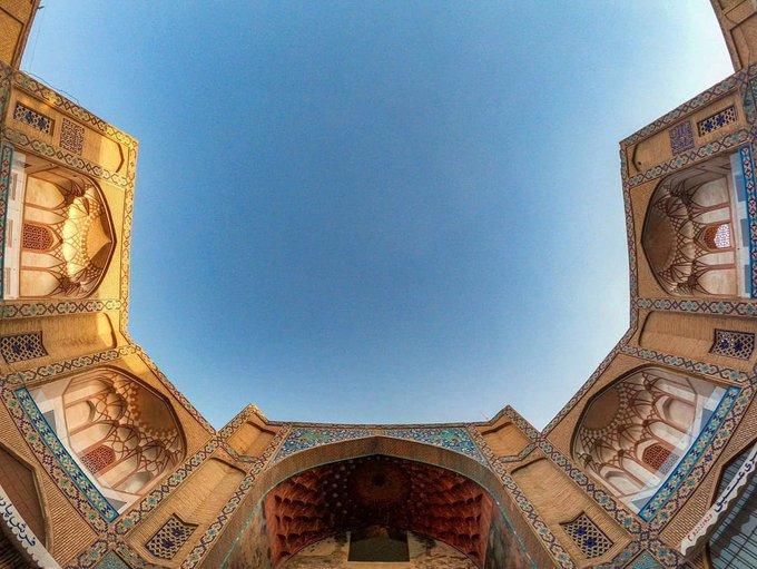 معماری بی نظیر سردر بازار قیصریه اصفهان+عکس
