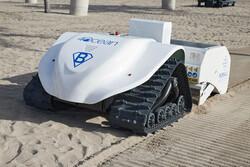 ربات خودران پاکسازی ساحل